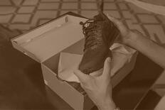shoes-box-picture-id848132494